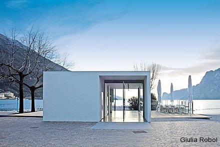 Torbole, bar Alla Sega architetti Matteo Marega e Massimo Chizzola dal sito: http://www.lignius.it/